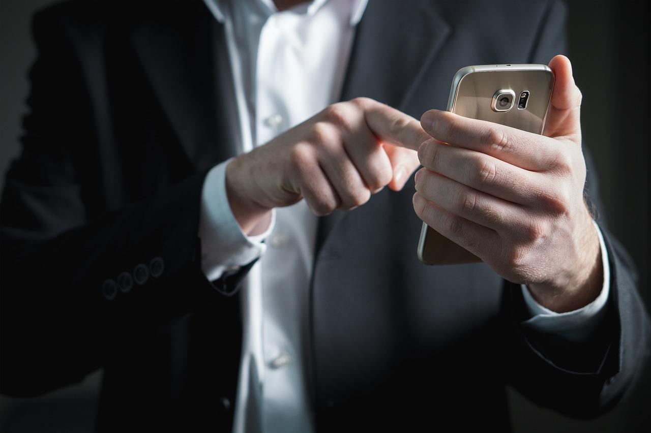 finger-2056030_1280.jpg